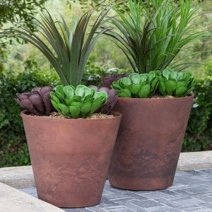 14in. Naples Planter - Rust