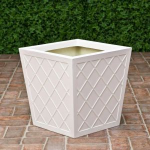 18in. La Fleur Fiberglass Planter -Choose from 2 Colors