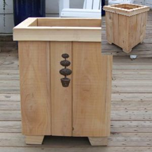 Milano Cedar Planter 19in